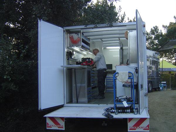 Camion-atelier